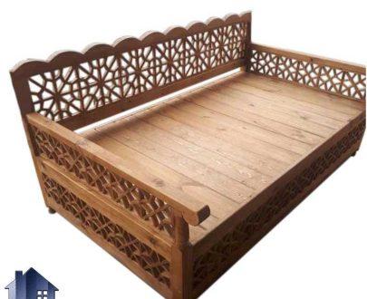 تخت چوبی سنتی چهار نفره TrK239 دارای طراحی به صورت باغی مخصوص فضای باز و ویلا و رستوران و سفره خانه و قهوه خانه با رنگ های متنوع ساخته میشود
