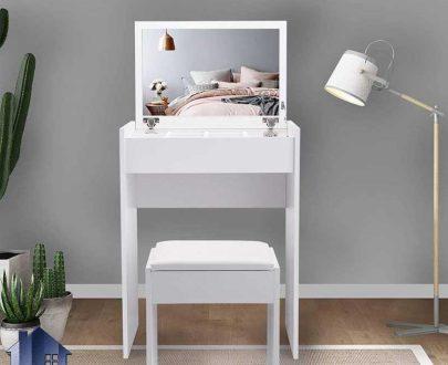 میز آرایش DJ332 دارای آینه تاشو و قفسه دار که به عنوان یک میز توالت و کنسول با طراحی به صورت کمجا در داخل اتاق خواب در کنار سرویس خواب استفاده میشود.