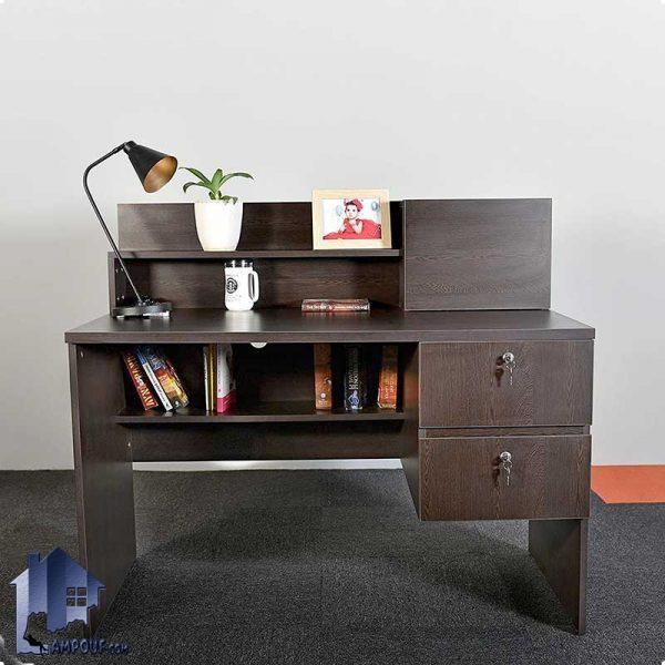 میز تحریر SDJ289 به صورت درب دار و قفسه دار و ویترینی و کشو دار که به عنوان میز کامپیوتر و مطالعه و لپ تاپ و یا میز کار در داخل اتاق خواب استفاده میشود.