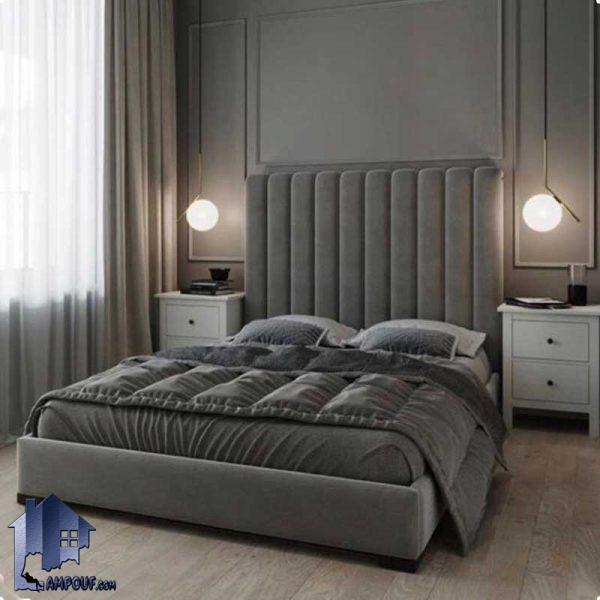 تخت خواب دو نفره DBRo413 دارای تاج چستر و لمسه که به عنوان ست تاج باکس و تختخواب دو نفره کینگ و کوئین در کنار سرویس خواب استفاده میشود تخت خواب یک نفره SBRo411 با تاج لمسه و چستر که به عنوان ست تاج باکس و تختخواب یکنفره در کنار سرویس خواب در اتاق خواب استفاده میشود.