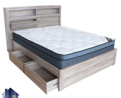 تخت خواب دو نفره DBJ157 دارای کشو و دراور و درب جکدار و قفسه که به عنوان تختخواب و باکس دونفره کینگ و کوئین در کنار سرویس خواب قرار میگیرد.
