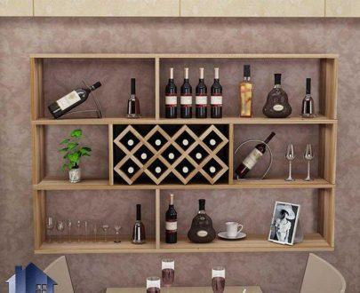 شلف SCJ207 دارای قفسه و ویترین و جای بطری که به عنوان ویترین و دکور بار در آشپزخانه و پذیرایی و کافی شاپ و رستوران استفاده میشود.