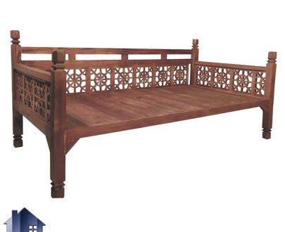تخت سنتی چهار نفره TrK288 به صورت چوبی که به عنوان تخت باغی و قهوه خانه ای در فضای باز و رستوران و کافی شاپ و سفره خانه استفاده میشود
