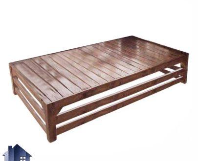 تخت سنتی دونفره TrK290 به عنوان نیمکت چوبی باغی در کنار دکور سنتی فضای باز در رستوران و کافی شاپ و باغ و منازل استفاده میشود